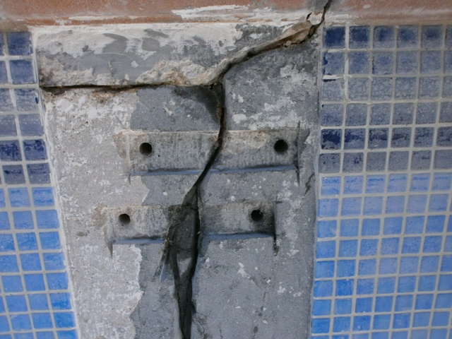 Repairing a swimming pool crack with Anchor stitching | M3BT ...